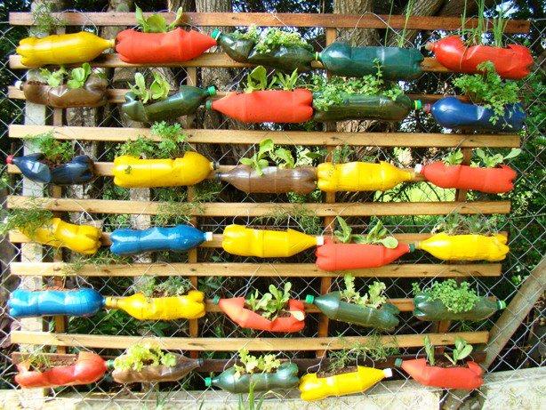 mini jardim reciclado:Jardim Vertical – Inspirações e Dicas de Como Montar o Seu
